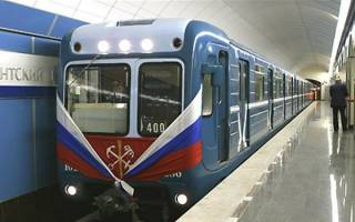Какова скорость электрички в метро