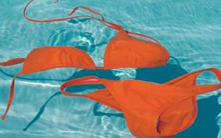 Как отстирать полинявший купальник