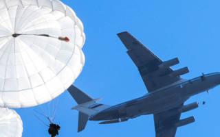 С каких самолетов прыгают десантники